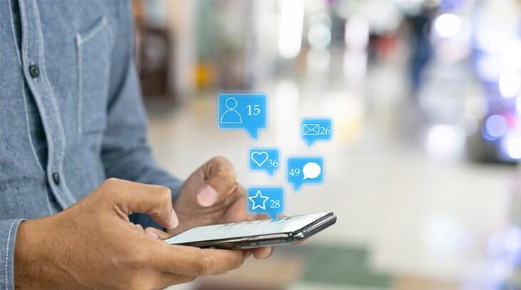 Quatre étapes simples pour permettre à votre entreprise d'apprivoiser les médias sociaux