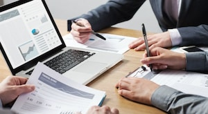 How to Do Your Taxes With the Help of a Tax Preparer