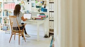 """5 Ways a """"Pocket Office"""" Can Help Boost Productivity"""