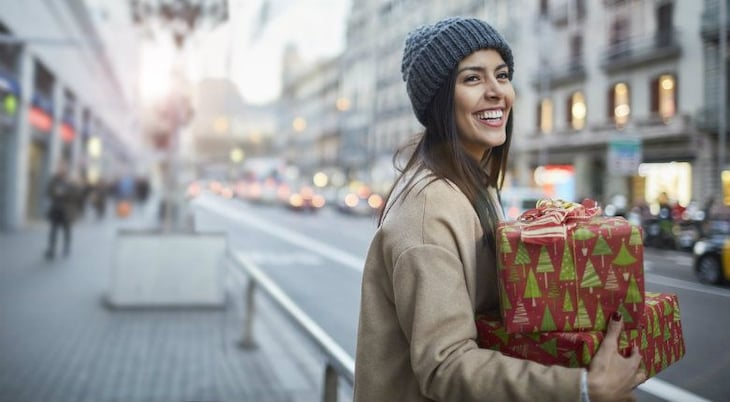 10 Ways Service-Based Businesses Can Stand Out This Holiday Season